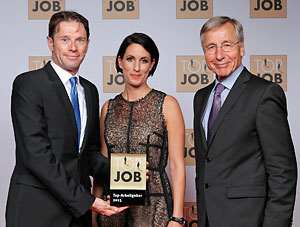 Ingo Haug, Beatrix Dreher and Wolfgang Clement at the presentation of the TOP JOB Award